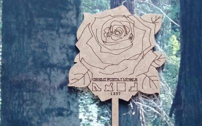 Libros, rosas y madera en Sant Jordi
